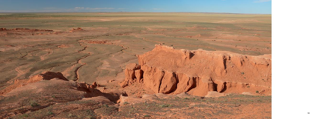 Pages de l'ouvrage Terres authentiques, volume 2 : Mongolie, Namibie, Patagonie